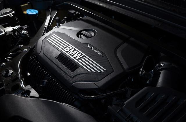 力感のあるトルク特性と優れた燃焼効率を両立させるターボエンジン。2リッター(写真)のほか、1.5リッターユニットも用意される。