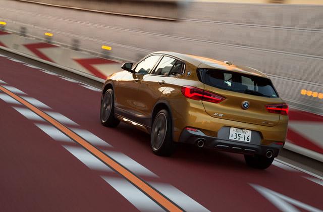 「X2」には、先進の安全装備が多数搭載される。ドライブの利便性を高めるさまざまな通信サービスも利用可能。