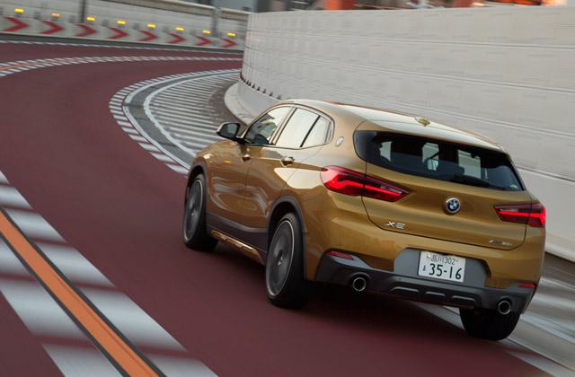 「X2」のターボエンジンは、低回転域から優れたピックアップを実現。どんな道でも爽快な走りが楽しめる。
