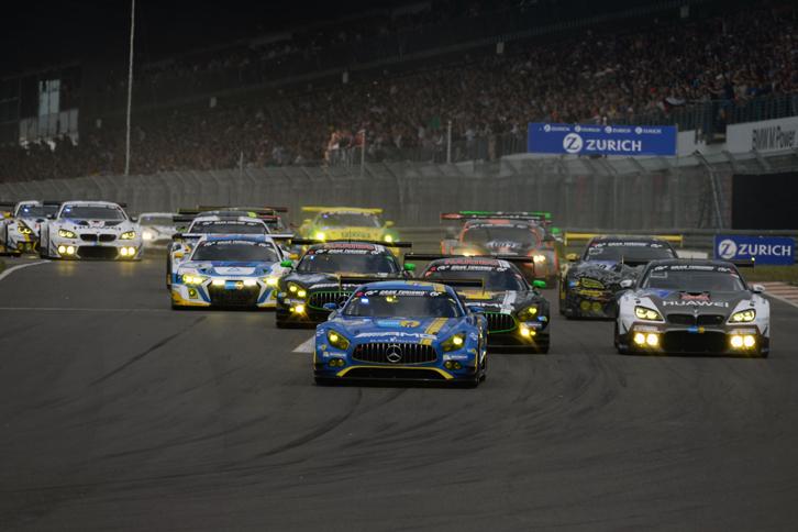 今大会で44回目の開催となった、ニュルブルクリンク24時間耐久レース。世界各国から計158台のマシンが集結し、それぞれのクラスで激しいバトルが展開された。