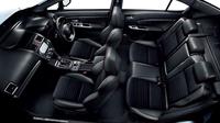 車内空間に関しては、従来モデルより室内幅、室内長ともに拡大。シートは「2.0GT EyeSight」ではファブリックとトリコットの、「2.0GT-S EyeSight」ではアルカンターラと本革のコンビタイプとなる。