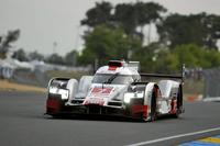 昨年の覇者であるM.ファスラー/A.ロッテラー/B.トレルイエの3人が駆る、7号車のアウディR18 e-tron クワトロ。