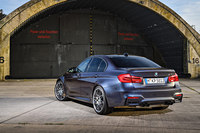 初代の誕生30周年を記念する「BMW M3」限定発売の画像