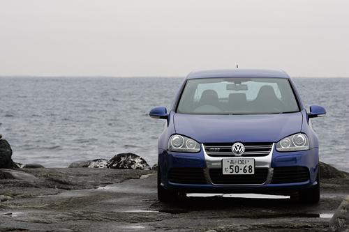 フォルクスワーゲン・ゴルフR32 3ドア(4WD/6MT)/5ドア(4WD/2ペダル6MT)【試乗記】