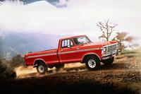 「フォードFシリーズ」     「Fシリーズ」は1948年から作られ、現在のモデルは12代目。「F-150」がポピュラーだが、サイズの大きいモデルは大きな数字を与えられていた。映画に登場するのは、7代目の「F-250」。1999年以降は、大きなサイズのモデルは「スーパーデューティー」の名で独立したシリーズとなった。(写真は1978年の「F-150」)