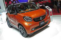 新型「スマート・フォーツー エディション1」ボディーカラーはラバオレンジ(メタリック)×ブラック。