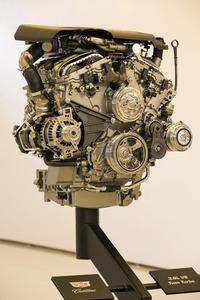 最小のキャデラックVシリーズ、ATS-V発売の画像