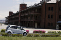 推奨ポイント・赤レンガ倉庫の前を通り、三菱みなとみらい技術館へ向かう。