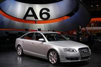 2004年のジュネーブショーで新型が発表された、アウディのミドルサルーン「A6」