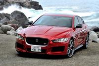 「ジャガーXE」シリーズのフラッグシップモデル「XE S」。3リッターV6スーパーチャージドユニットを搭載する。車両価格は769万円。