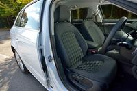 テスト車「1.4 TFSI」は、新型「A3スポーツバック」のエントリーグレード。シート形状は他グレードの「スポーツシート」とは異なるスタンダードタイプで、その表皮もファブリックのみとなる。