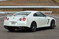 5年目に入り、ますます速さに磨きがかかった「GT-R」。写真は「Premium edition」。