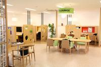 IKEA風(?)なラウンジやキッズスペースなど、充実したアメニティー施設が自慢。