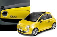 「フィアット500」の最上級モデル、150台限定で発売