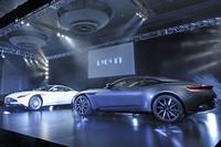 アストンマーティンの新型スポーツカー「DB11」が上陸の画像