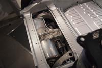 後輪の間に設置される駆動用モーター。