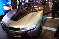 BMW、「i3」と「i8」を先行披露