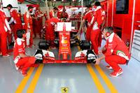 難航していた2017年シーズンに向けたレギュレーション案がロシアGP開催中にようやくまとまった。2014年から導入されたパワーユニット規定では、コスト低減や各チームへの安定供給、エキゾーストノートの増大などの点で関係者の合意が得られ、実施される運びとなった。(Photo=Ferrari)