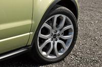 アルミホイールは、モデル全体で7種類のデザインが用意される。サイズのバリエーションは、17、18、19、20インチ(テスト車)の4種類。