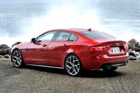 ボディーサイズは全長4680×全幅1850×全高1415mm。テスト車のボディーカラーは「イタリアン・レーシング・レッド」。