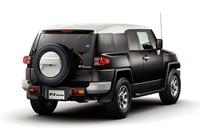 トヨタ オフロード四駆の「FJクルーザー」を発売