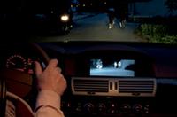 300m先まで見える……BMW、ミドルクラス以上に「ナイト・ビジョン」をオプション設定の画像