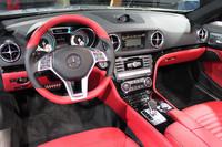 運転席まわりの様子。写真は、特別仕様車「SL500 エディション1」のもの。