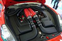 カリフォルニアの心臓。F430の4.3リッターユニットに比べ最高出力は30ps劣るものの、トルクは1.6kgm大きい。
