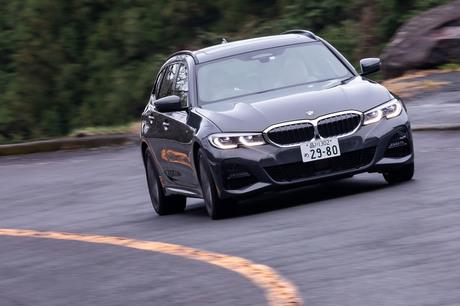新型「BMW 3シリーズ ツーリング」の日本導入7モデルのうち、まずは最高出力190PSの2リッター直4ディーゼル...