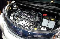 エンジンのスペック(FF車)は、1.3リッター(95ps、12.3kgm)、1.5リッター(109ps、14.1kgm)そろって「トヨタ・ラクティス」と変わらず。10・15モードの燃費値は、ともに20.0km/リッター。
