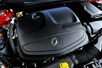 搭載されるエンジンは2リッター直4ターボ。211psと35.7kgmを発生する。