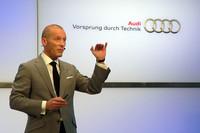アウディジャパンのドミニク・ベッシュ社長。競合他社に比べアウディの販売台数が伸びた理由を「環境対応車の多さ、認知度が上がったこと、ディーラーネットワークの拡大」によるものと分析する。