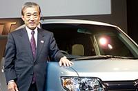 「お客様の多様化するニーズに応えるために登場した、ホンダ4車種目の軽乗用車」とゼストを説明した、本田技研工業の福井威夫社長。