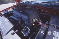 """「エディバウアー」に新採用された4.6リッター""""オールアルミ""""V8ユニット。わずか1500rpmで最大トルクの90%を発生するという。なお、4リッターV6は、鋳鉄ブロックとアルミヘッドの組み合わせだ。"""