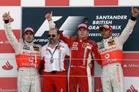 アイスマン、キミ・ライコネンが2連勝。フェルナンド・アロンソは2位、ルイス・ハミルトンは3位で故郷に錦を飾れず。(写真=Ferrari)
