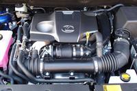 新開発の2リッター直4ターボエンジン。「最高レベルの低燃費と爽快なパフォーマンスを実現した」とうたわれる。