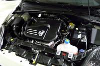 「アバルト・グランデプント」の1.4リッターターボエンジンは、155psを発生する。年内発売予定の「アバルト・グランデプントSS」は、180psにまでパワーアップされるという。