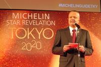 日本ミシュランタイヤのポール・ペリニオ代表取締役社長は、レストランのレベルの高さとバラエティーの豊かさとが、日本料理の人気の理由ではないかとコメントした。