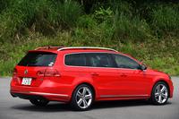 スポーティーな仕立てを特徴とする、「フォルクスワーゲン・パサートヴァリアント」の特別仕様車「Rラインエディション」。2014年6月3日に発売された。