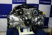 2リッターNAモデルに新たに搭載される、第3世代のボクサーユニット。燃焼室は初めてボアよりストロークのほうが長く設計された。燃費向上とフリクション低減が、主なセリングポイント。