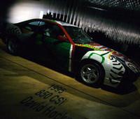 会場には、5台のアートカーが置かれる。写真は、カリフォルニアで活動を続ける英国人画家、デイヴィッド・ホックニーの「850CSi」。
