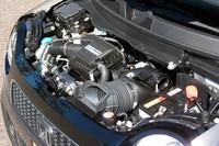 660cc直3エンジンは、NAとターボ(写真)の2本立て。