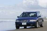 【スペック】 V70オーシャンレースリミテッド:全長×全幅×全高=4720×1815×1490mm/ホイールベース=2755mm/車重=1560kg/駆動方式=FF/2.4リッター直5DOHC20バルブ(170ps/6000rpm、22.9kgm/4500rpm)/価格=495万円(テスト車=同じ)