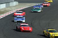 GT500が20台、GT300が25台の計45台が参加、本番さながらのローリングスタートから始まったスーパーGT合同テスト。