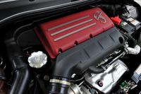 1.4リッター直4ターボエンジンはギャレット製1446ターボを備え、「トリブート フェラーリ」と同じ180psと25.5kgmを発生。