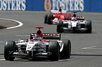 F1イギリスGP、バリケロが今シーズン初優勝