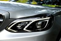 フルLEDの「LEDハイパフォーマンスヘッドライト」が採用された。4灯ヘッドライトを新たなデザインで表現している。