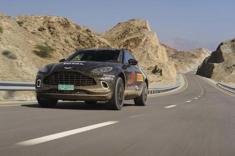 アストンマーティン初のSUVとして開発された「DBX」。2020年春の発売を前に中東・オマーンで試乗した新型車...