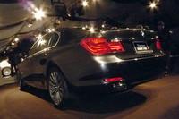 リアビュー。マフラーエンドは全車、レクサス車に見られるようなバンパーインタイプになっている。