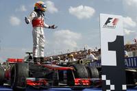 今季3度目のポールポジションからスタートし、6月の第7戦カナダGPに次ぐ今シーズン2勝目、自身通算19勝目をあげたマクラーレンのルイス・ハミルトン。(Photo=McLaren)